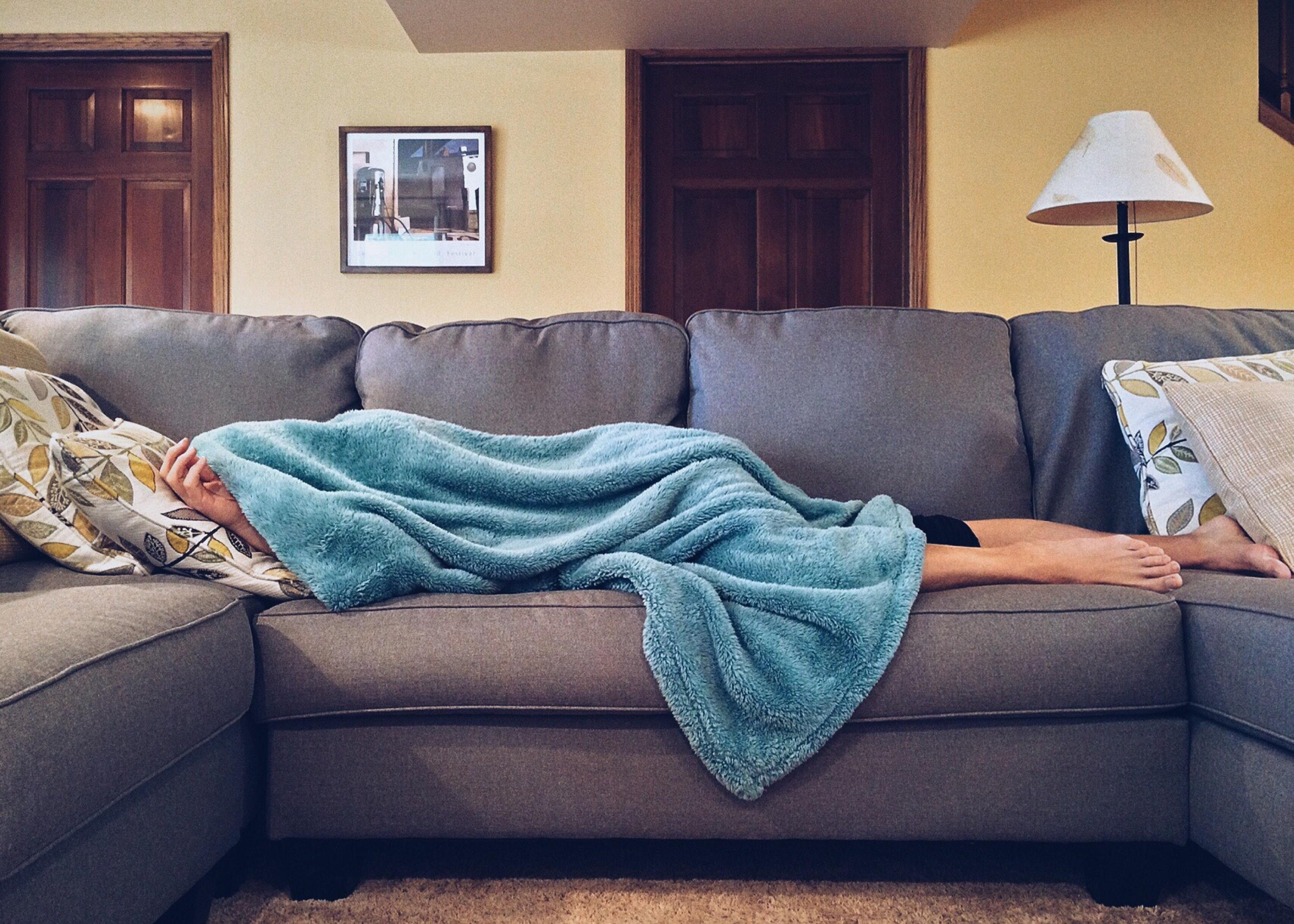 apartment-bed-carpet-269141